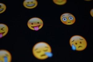emoji-653309_640